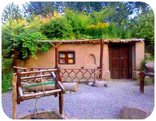 عکس ارسالی کاربران سایت رسمی مجید اخشابی www.majidakhshabi.com باغ گلها اصفهان کلبه چرخ چاه