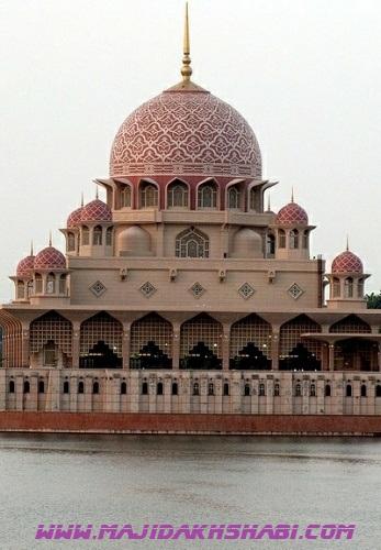 مسجد پوترای مالزی تجلیبخش معماری ایرانی اسلامی