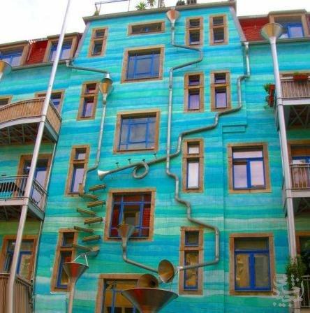 هنر عکاسی: خانه ای که هنگام بارندگی ساز می زند